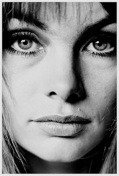 "Jean Shrimpton by Jean Loup Sieff ""the face"" Jean Shrimpton, Photography Office, Portrait Photography, Vintage Photography, Photography Women, Jean Loup Sieff, Close Up, Look Jean, Annie Leibovitz"