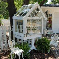 Penny's Vintage Home: Petite Garden Conservatory/terrarium made from old windows Window Greenhouse, Cheap Greenhouse, Backyard Greenhouse, Mini Greenhouse, Greenhouse Ideas, Miniature Greenhouse, Portable Greenhouse, Garden Studio, Garden Art