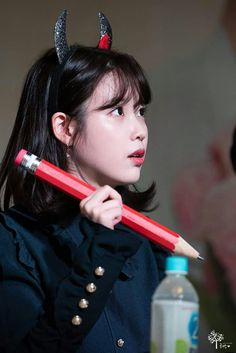 IU - 171029 Gnal-G  Fansign Event Scarlet Heart Ryeo Cast, Short Hair Outfits, Fan Signs, Cute Poses, Iu Fashion, Korean Actresses, Gemma Arterton, Queen, Feel Tired