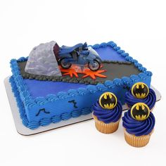 Amazon.com: Batman Cake Topper and 24 Cupcake Topper Rings: Toys & Games