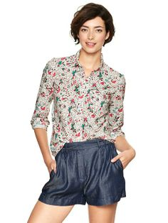 Fitted boyfriend floral shirt Product Image