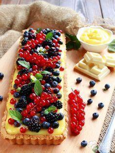 Come fare la crostata ai frutti di bosco e cioccolato bianco