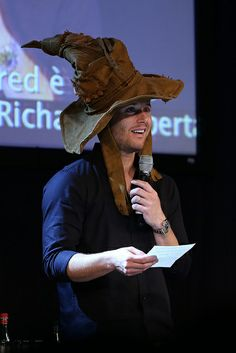 Pin all the images of Jensen in the sorting hat. ||| Supernatural JIB Con 5 - 2014