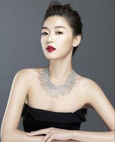 Designer Clothes, Shoes & Bags for Women Korean Beauty, Asian Beauty, Beautiful Asian Women, Beautiful People, Korean Celebrities, Celebs, Asian Woman, Asian Girl, Jun Ji Hyun Fashion