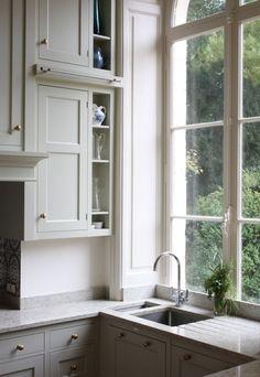white kitchen | classic yet modern.