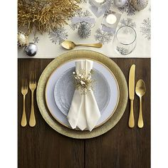 This lovely pattern from Italy updates classic flatware shapes with a warm satin gold finish that looks current and elegant. Christmas Table Settings, Christmas Table Decorations, Buffet Plate, Flatware Set, Gold Flatware, Charger Plates, Elegant Table, Tealight Candle Holders, Deco Table