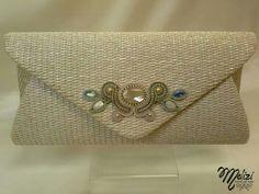 . Bead Embroidery Jewelry, Soutache Jewelry, Ribbon Embroidery, Beaded Jewelry, Soutache Tutorial, Macbook Bag, Classic Handbags, Shibori, Clutch Bag