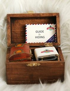 Cute! Cute! A kit for a tiny treasure hunt. Fun for a party or a rainy day.