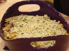 Rachael Ray's Tuna Surprise Dijon mustard and shallots class up the classic tuna casserole. Not low cal but delicious. Tuna Recipes, Entree Recipes, Seafood Recipes, Cooking Recipes, Seafood Dishes, Rachael Ray Tuna Casserole, Surprise Recipe, Rachel Ray Recipes, Dinner Dishes