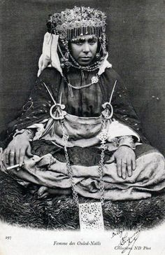 Africa | Ouled Nails woman from Algeria.  ca. 1904 | Postcard image, published by Neurdein Frères