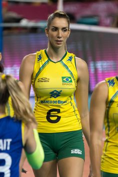 The Top 21 Hottest Stars Of Indoor Volleyball, These Girls Are Seriously Fit! Brazil Volleyball, Volleyball Poses, Female Volleyball Players, Volleyball Shorts, Women Volleyball, Beautiful Athletes, Sports Stars, Athletic Women, Female Athletes