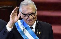 Nuevo presidente de Guatemala pide la renuncia gabinete de Otto Pérez Molina