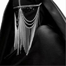 BURKA / BURKA / Armin Morbach // The adornments don't make the burqa any more friendly or freeing. Body Chains, Head Chains, Niqab, Inspiration Mode, Dark Beauty, Dark Fashion, Headdress, Costume Design, Ideias Fashion