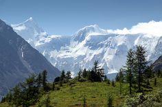 Belukha Mountain on the Kazakhstan-Russia Border by Vít Hněvkovský [900 x 600] #reddit