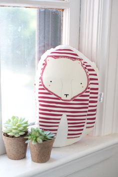Limited Edition Pajama Bear Pillow Handmade Polar Bear por Gingiber