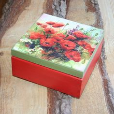 Wooden box 'Poppy flowers',red and green deoupaged box Decoupage Box, Decoupage Vintage, Decoupage Tutorial, Painted Boxes, Wooden Boxes, Dyi Decorations, Bottle Painting, Bottle Art, Pretty Box