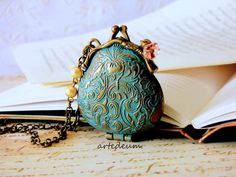 Hey, I found this really awesome Etsy listing at https://www.etsy.com/listing/128486013/locket-purse-necklace-vintage-inspired