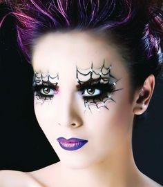 Fun make-up for Halloween! Spider Web Liner & Purple Lips Halloween Make-up Inspiration. Amazing Halloween Makeup, Looks Halloween, Halloween Season, Halloween Costumes, Halloween Face Makeup, Halloween Spider, Halloween Parties, Scary Halloween, Spider Costume
