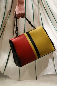 Prada Spring 2016 Ready-to-Wear Accessories Photos - Vogue More