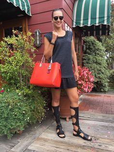 UN TOQUE DE COLOUn toque de color #DelMar #California #summer #vibes #colour #red #black #MiuMiu #Dior #StuartWeitzman #Repossi #lifestyleblogger #fashionblogger #moalmada
