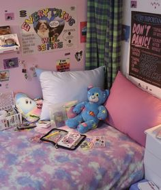 Room Ideas Bedroom, Bedroom Inspo, Bedroom Decor, Indie Room, Aesthetic Room Decor, Room Posters, Kawaii Room, New Room, Dorm Room