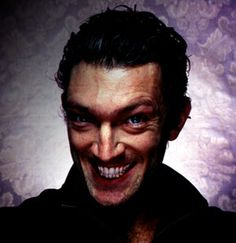 Moar Vincent Cassel. This picture also appears on the interwebs with Joker makeup on. I wonder why. Anyway, weird and unbalanced. Gotta use this someday.