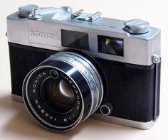 Vintage Konica Auto S2 35mm Rangefinder Camera, Made In Japan, Circa 1965.