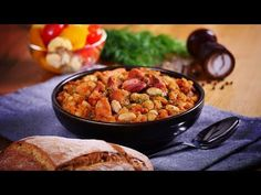 Fasole cu ciolan afumat · Delicatese.net Chana Masala, Make It Yourself, Ethnic Recipes, Food, Meal, Eten, Hoods, Meals