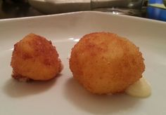 Croquetas de queso de tetilla Tostadas, Chow Chow, Queso, Muffin, Yummy Food, Breakfast, Recipes, Appetizers, Cooking Recipes