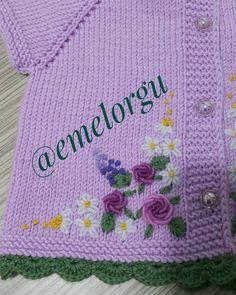 Görüntünün olası içeriği: şapka Sewing Stitches, Embroidery Stitches, Hand Embroidery, Embroidery Designs, Knit Baby Dress, Knitted Baby Cardigan, Crochet For Kids, Crochet Baby, Knit Crochet