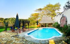 Hotel Los Robles Managua Located 3.7 km from central Managua, Hotel Los Robles greets its guest with breakfast buffet, free Wi-Fi, outdoor swimming pool, and 24 hour front desk service.