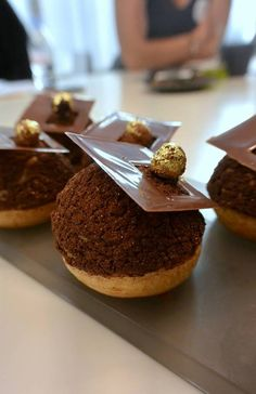 1000 images about perfect choux montee on pinterest croquembouche paris brest and french. Black Bedroom Furniture Sets. Home Design Ideas