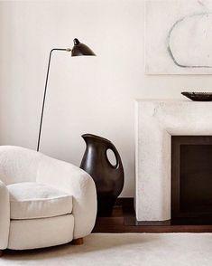 Pierre Jeanneret, Living Room Inspiration, Design Inspiration, Berlin Apartment, Living Room Seating, Living Rooms, Luxury Home Decor, Minimalist Living, Wall Art Decor