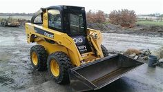 2009 John Deere 325 Skid Steer -2 speed, 5,000 tipping capacity, Enclosed cab w/ heat, Wiper, Work lights, Auxiliary Hydraulic override switch. Quick Tach, 76 inch bucket, Foot controls. OBO - See more at: http://www.heavyequipmentregistry.com/heavy-equipment/10324.htm