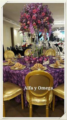 Nuestras sillas Dior son ideales para combinarlas con nuestra delicada manteleria de rosetones  en eventos sumamente elegantes.  Disponibles en dorado, plateado, blanco y blanco con respaldo transparente. Solcite una cotizacion hoy en PORTAL DE BODAS 23341274
