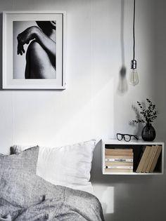 Nattduksbord, hängade på väggen
