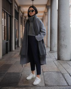 Autumn fashion: thick chunky knit sweater autumnal wool coat trousers white , Herbstmode: dicker Grobstrick Pulli herbstlicher Wollmantel Hose weiß , Fashion Source by Juwanewew Cute Fall Outfits, Winter Fashion Outfits, Fall Winter Outfits, Look Fashion, Trendy Outfits, Autumn Winter Fashion, Womens Fashion, Fashion Trends, Winter Clothes