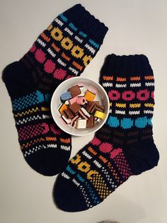 Ravelry: Lakusukat pattern by Anni H Fair Isle Knitting, Knitting Socks, Hand Knitting, Knitting Patterns, Wool Socks, Diy Crochet, Crochet Ideas, Knitting Accessories, Mittens