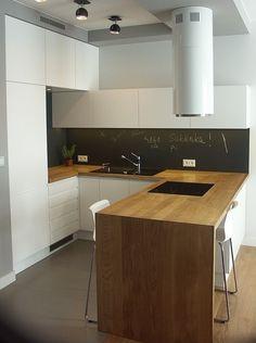 Kitchen Pantry, New Kitchen, Kitchen Dining, Kitchen Interior, Interior Design Living Room, Minimal Kitchen Design, Timber Kitchen, Kitchen Styling, Kitchen Remodel