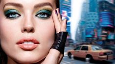 Do you want to make your eyes sparkle, shine and pop? This guide to eyeshadow looks for blue eyes will show you how to achieve flattering eye makeup. Makeup Looks Blue Eyes, Eyeshadow For Blue Eyes, Blending Eyeshadow, Blue Eye Makeup, Eyeshadow Looks, Cruelty Free Kitty, Maybelline Makeup, Cosmetic Companies, Vegan Makeup
