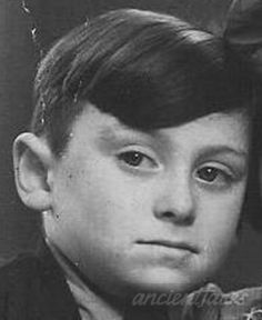 Jacob Aandagt was murdered in Auschwitz on Jul. 18, 1942. Jacob would have been 8 a month later.