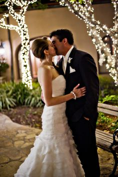 great wedding ideas    http://blog.lizfields.com/