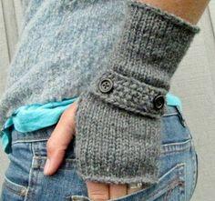 Ik zie nergens goed het patroon maar misschien kan ik dit zelf wel uitvogelen:-) http://beesandappletrees.blogspot.nl/2011/10/haak-je-eigen-handschoenen-crochet-your.html