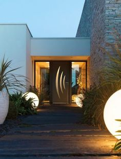 Main Door, House Entrance, Smart Home, Bungalow, Shed, New Homes, Home And Garden, Doors, Architecture
