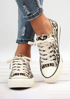 Leopard Printed Lace Up Sneakers - Fairyseason Black Wedge Sneakers, Casual Sneakers, Wedge Shoes, Sneakers Fashion, Fashion Shoes, Women's Shoes Sandals, Style Fashion, Shoe Wedges, Dsw Shoes