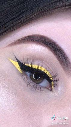 Edgy Makeup, Makeup Eye Looks, Eyeliner Looks, Eye Makeup Art, No Eyeliner Makeup, Crazy Makeup, Cute Makeup, Eyeliner Ideas, Color Eyeliner