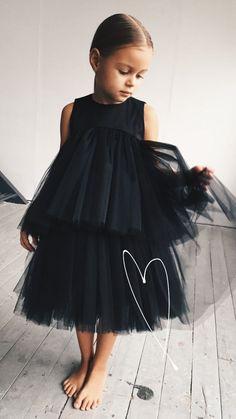 bebek giyim 22 new Ideas for sewing dress baby simple Little Girl Dresses, Girls Dresses, Flower Girl Dresses, Baby Girl Party Dresses, Dresses Dresses, Little Girl Fashion, Toddler Fashion, Child Fashion, Kids Fashion Summer