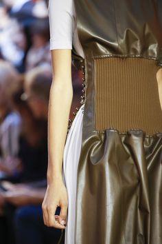 Céline Spring 2016 Ready-to-Wear Fashion Show Details