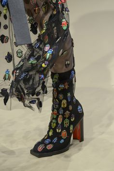 Alexander McQueen Fall 2018 Fashion Show Details - The Impression