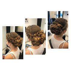 Fonott feltűzött konttyal, a nagy napon, csodálatos lehetsz :)  www.magdiszepsegszalon.hu   #instafashion #beautysalon #hairstyle #hairstyles #hairs #hairsalons #hairbunmaker #hair #prilaga #hairfashion #hairbuns #hairsalon #hairdresser #hairbun #hairofinstagram #hairoftheday #konty #menyasszony #kiengedettkonty#magdiszepsegszalon Dreadlocks, Hair Styles, Beauty, Hair Plait Styles, Hair Makeup, Hairdos, Haircut Styles, Dreads, Hair Cuts